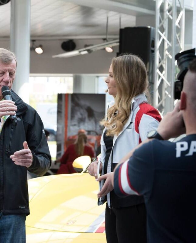 Moderator Automotive buchen Saskia Naumann Eventmoderatorin Automobil Stuttgart