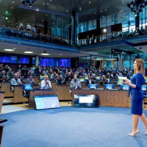 Professionelle Kongress Moderation mit Moderatorin Saskiaa Naumann in Köln
