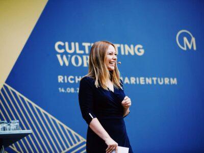 Eventmoderatorin Moderatorin Saskia Naumann professionelle Event-Moderation buchen