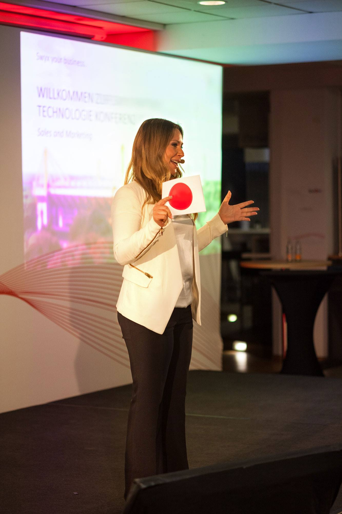 Messemoderation in Köln mit Awardverleihung
