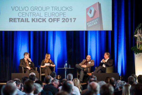 Kongress Moderatorin in Stuttgart buchen - Saskia Naumann und Volvo Group Trucks