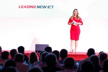 Kongress Moderatorin für Huawei